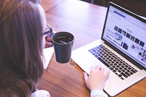 Ragioni per scegliere la professione del blogger