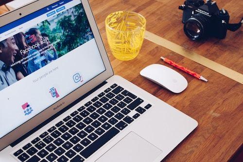 la pubblicità su facebook viene gestita da un algoritmo