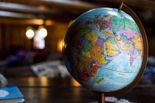 Domande a cui rispondere per scegliere la migliore struttura per un sito internazionale
