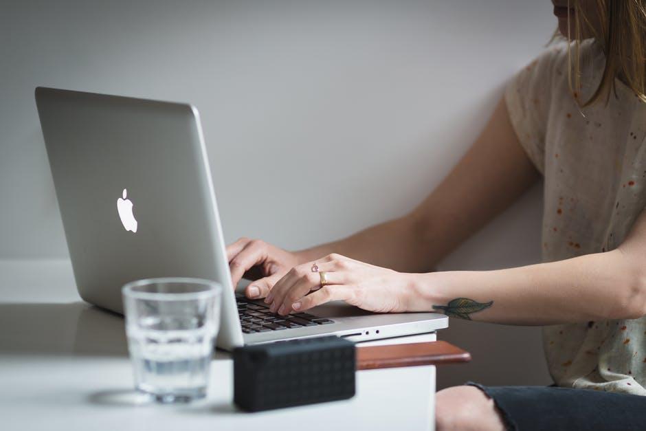Raccontare un'azienda: Tecniche di copywriting- potere alle parole