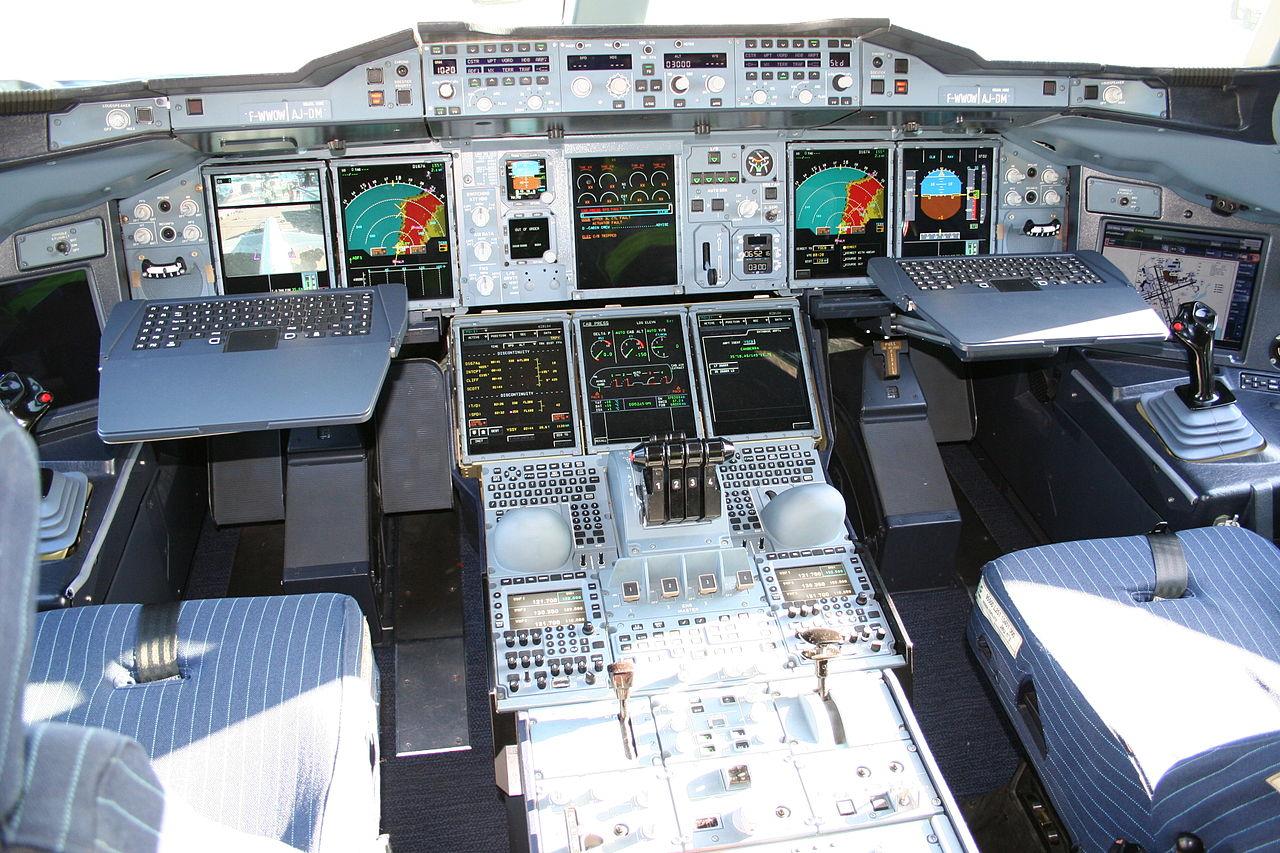 1280px-airbus-a380-cockpit.jpg