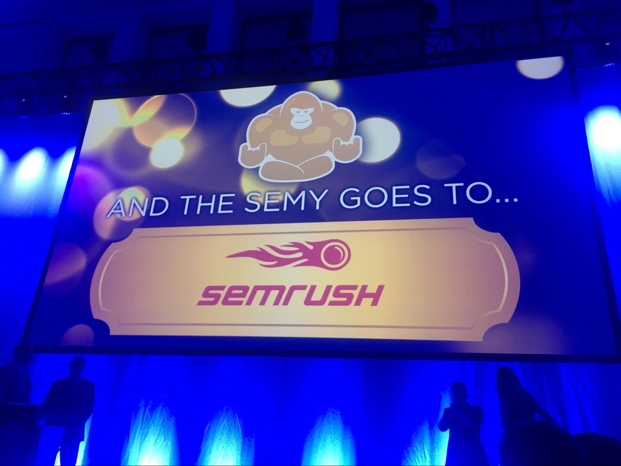 Mejores actualizaciones de SEMrush - Premios conseguidos