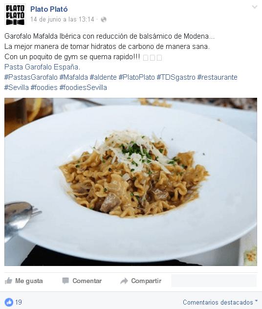 Redes Sociales para restaurantes - Post Facebook con demasiados hashtags