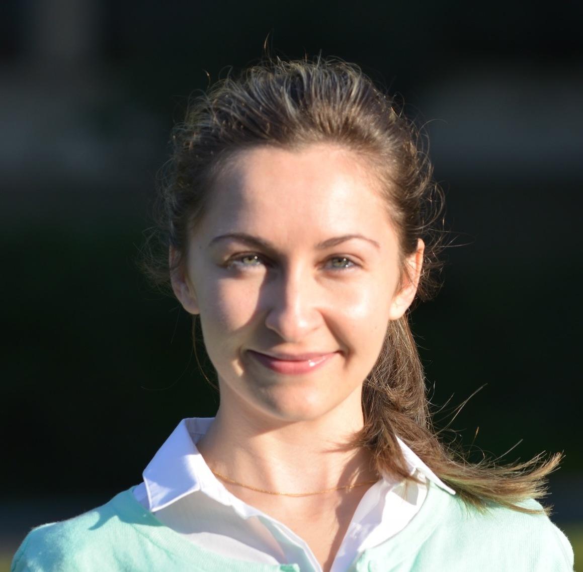 Helena Ronis (allfactors.com/hey)